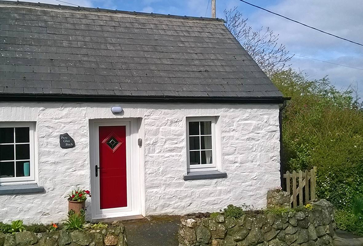 Parc Glas Bach - 4 Star Holiday Cottage - Moylegrove, Pembrokeshire, Wales
