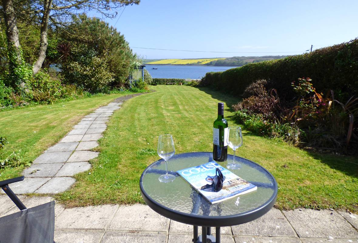 4 Bay View - 3 Star Holiday Cottage - Angle, Pembrokeshire, Wales