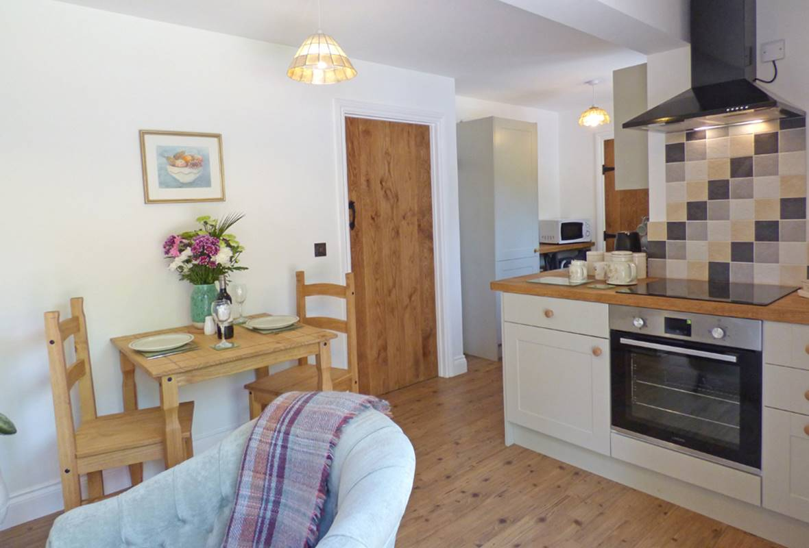 Woodview - 4 Star Holiday Cottage - The Rhos, Near Haverfordwest, Pembrokeshire, Wales