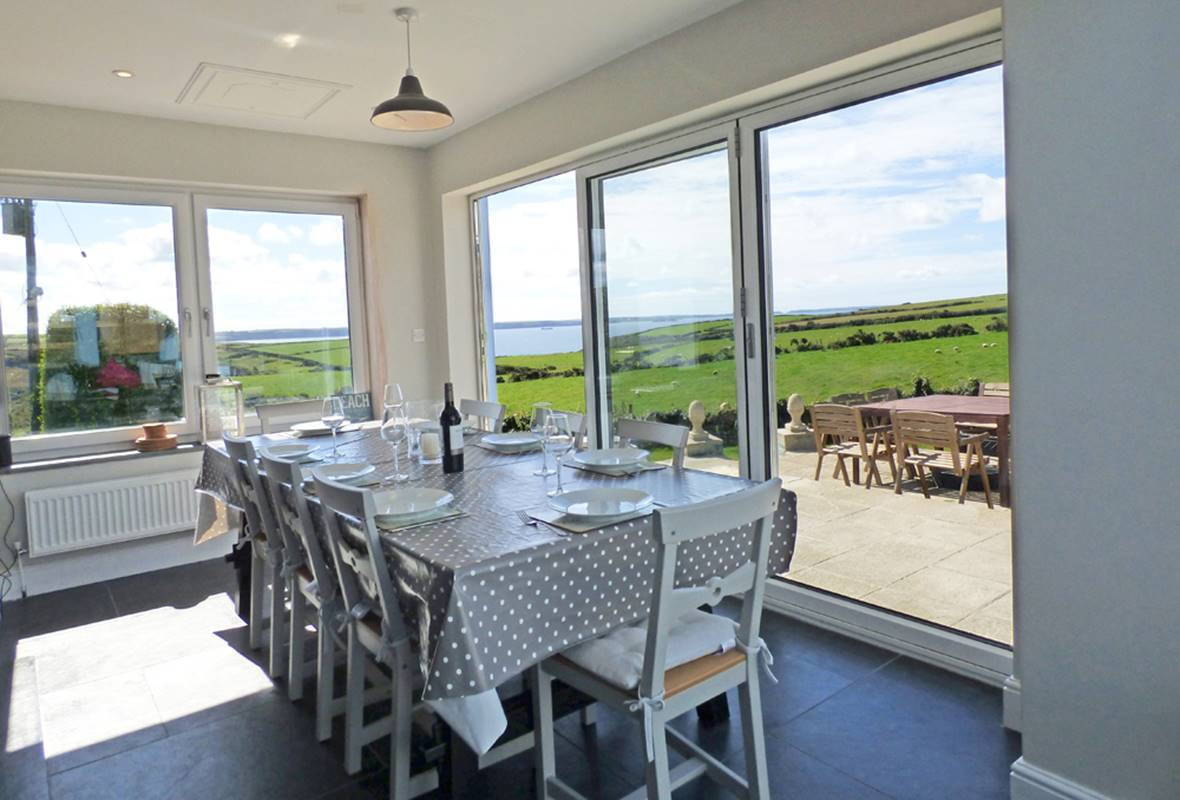 Lower Folly - 5 Star Holiday Cottage - Nolton Haven, Pembrokeshire, Wales