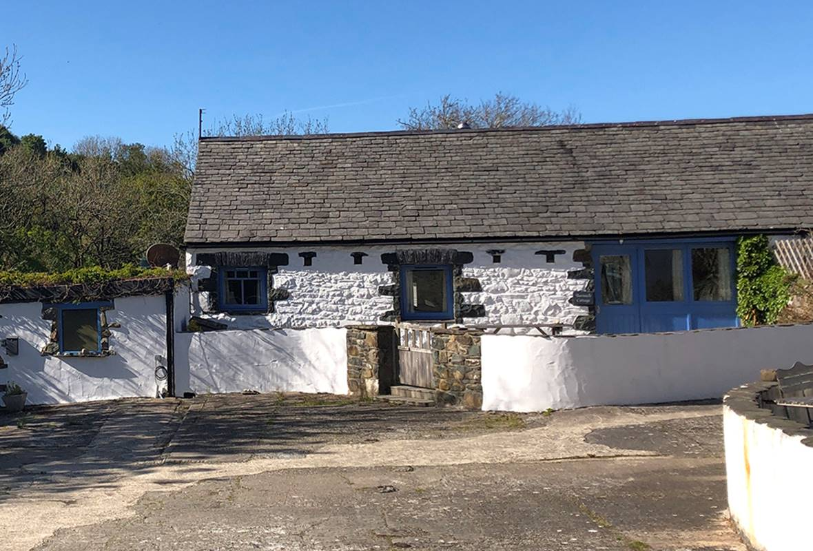 Barnacle Cottage - 4 Star Holiday Cottage - Aberfforest Beach, Newport, Pembrokeshire, Wales