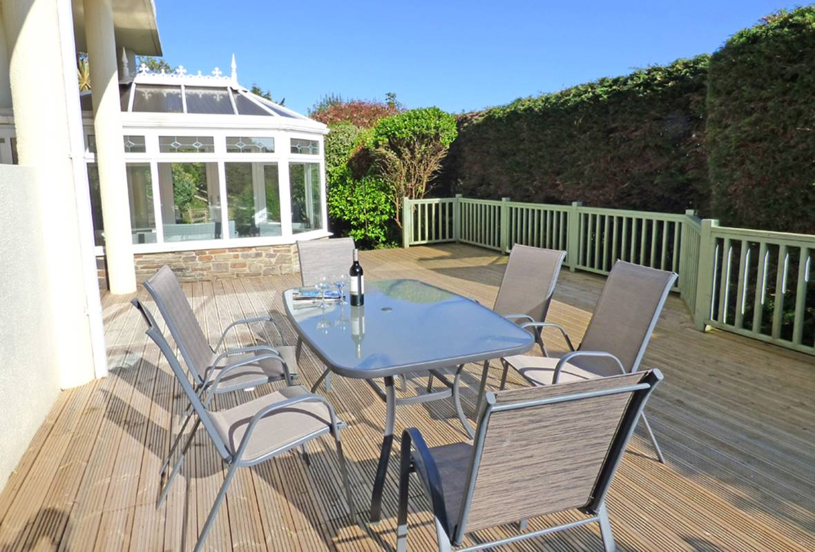 Strawberry Gardens - 4 Star Holiday Cottage - Penally, Pembrokeshire, Wales