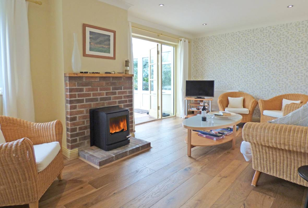 Henllan Cottage - 4 Star Holiday Cottage - Dinas, Pembrokeshire, Wales