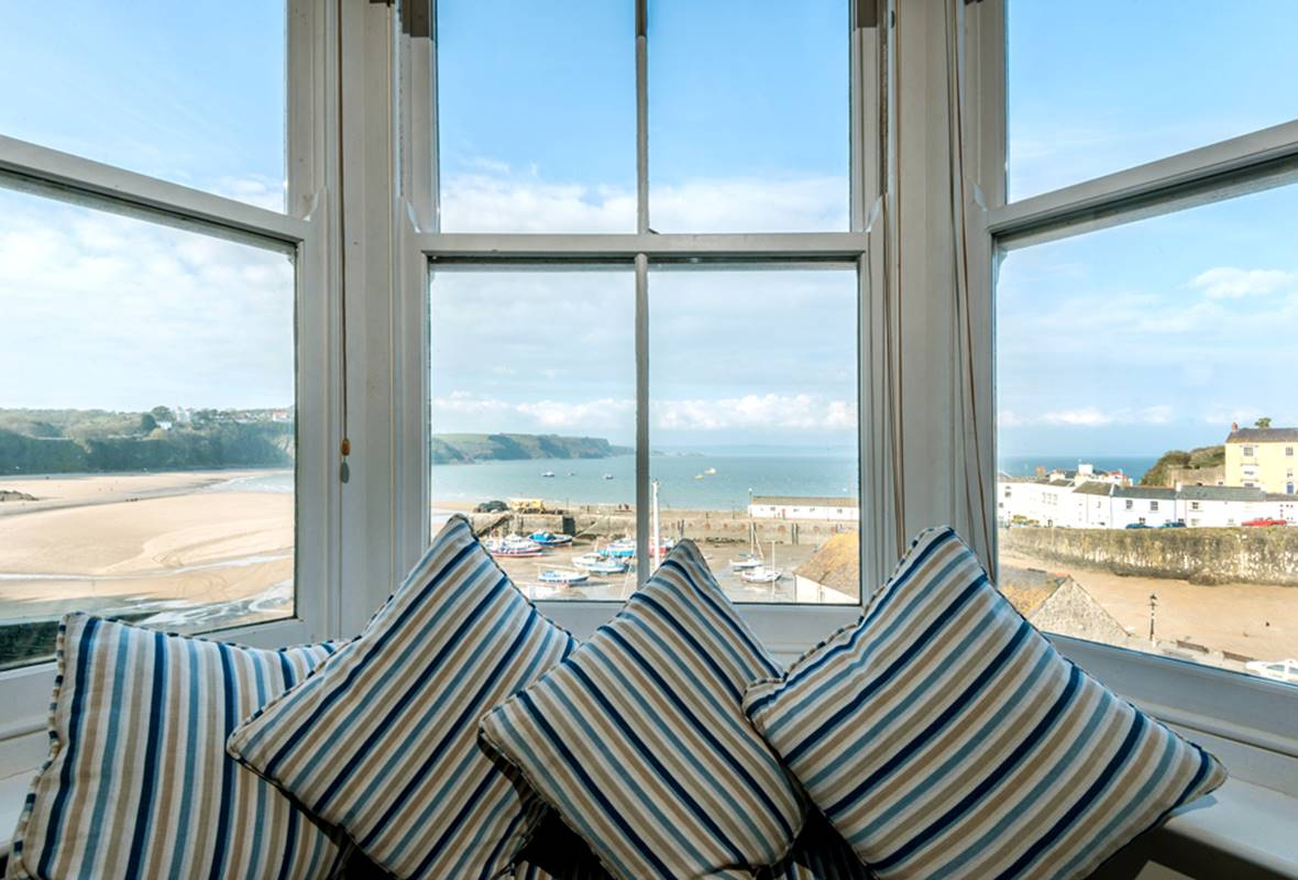 Lower Anchorage - 4 Star Holiday Cottage - Tenby, Pembrokeshire, Wales