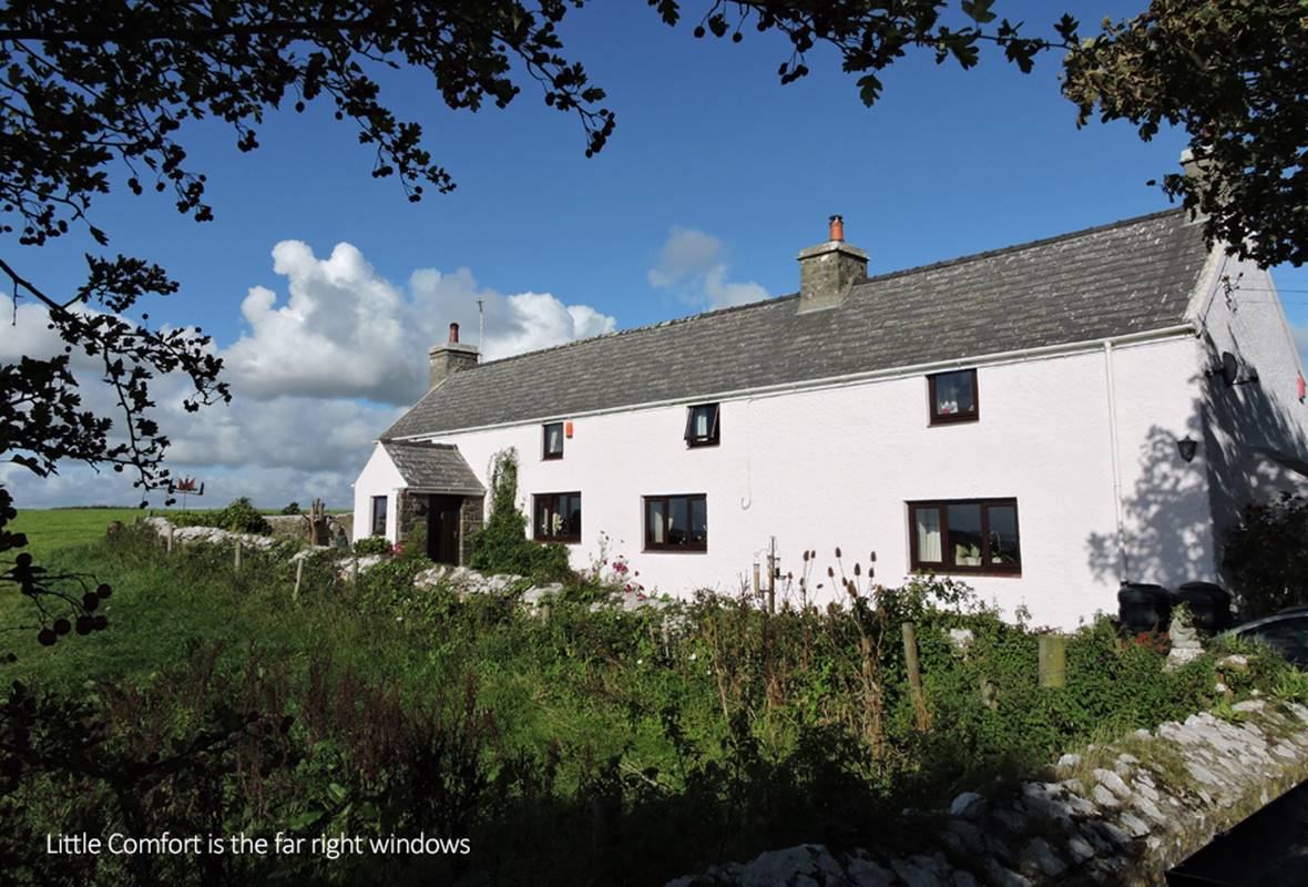 Little Comfort - 4 Star Holiday Cottage - Warren, Near Castlemartin, Pembrokeshire, Wales