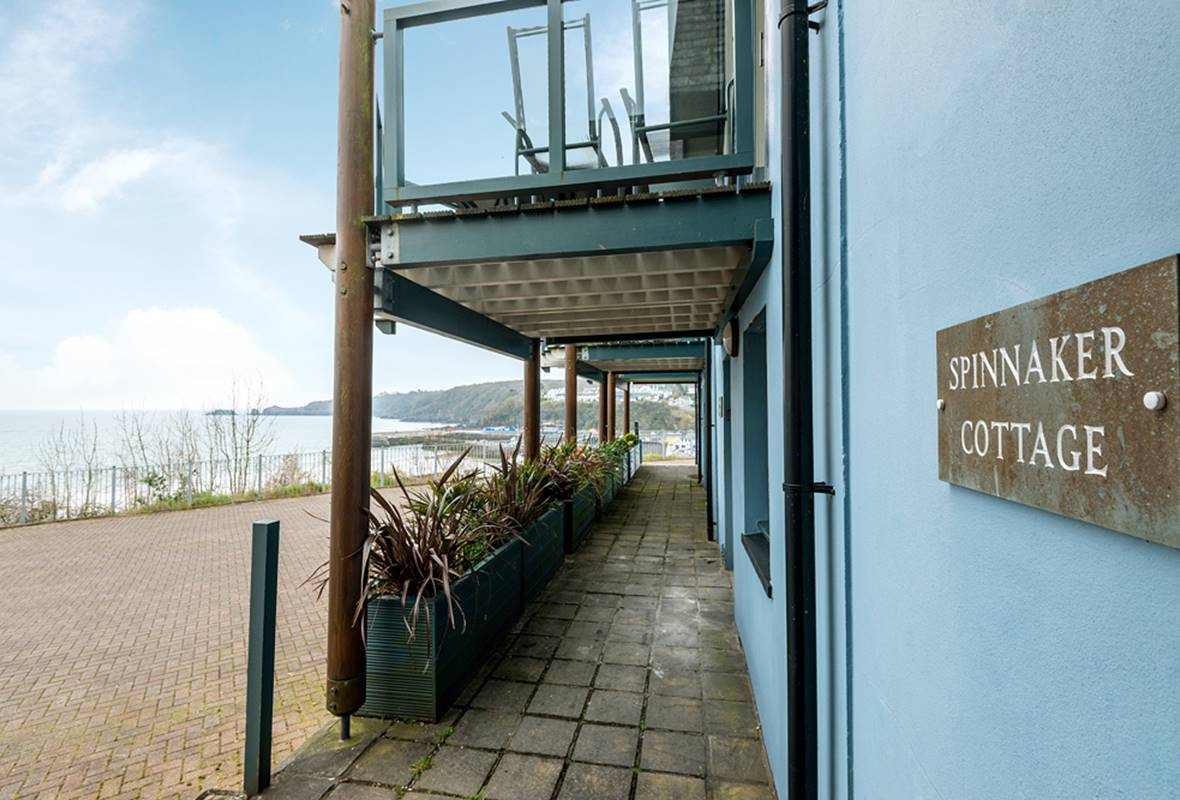 Spinnaker - 5 Star Holiday Cottage - Admirals Mews, Saundersfoot, Pembrokeshire, Wales