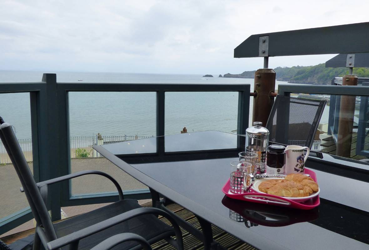 The Watch House - 5 Star Holiday Cottage - Admirals Mews, Saundersfoot, Pembrokeshire, Wales