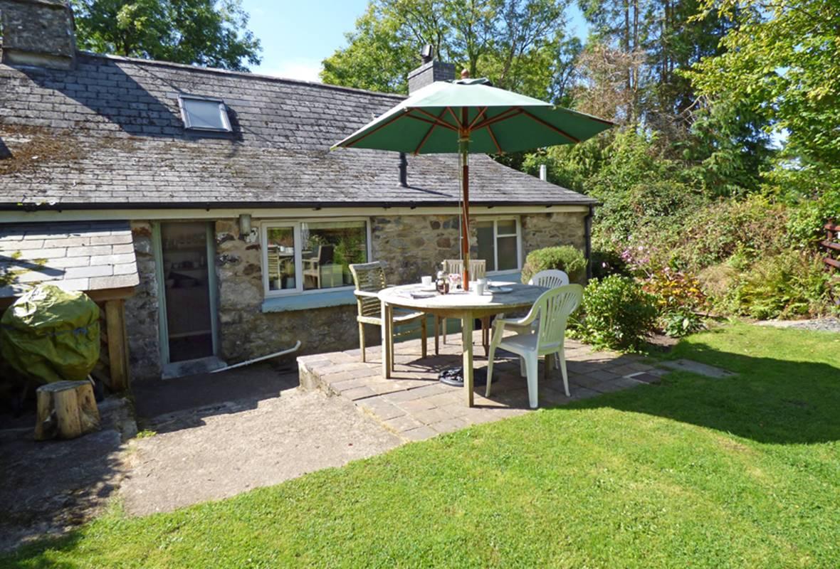 Nant y Blodau Bach - 4 Star Holiday Cottage - Newport, Pembrokeshire, Wales