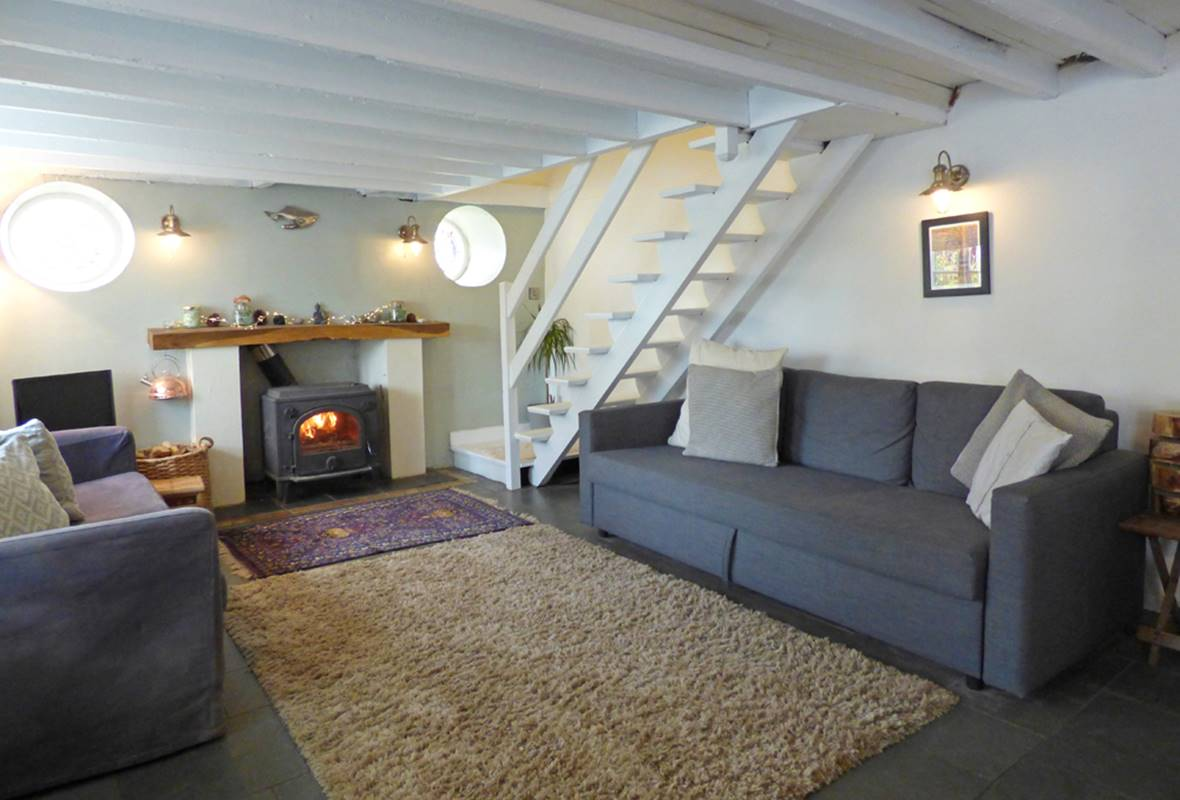 Station House - 3 Star Holiday Cottage - Lamphey, Near Freshwater East, Pembrokeshire, Wales