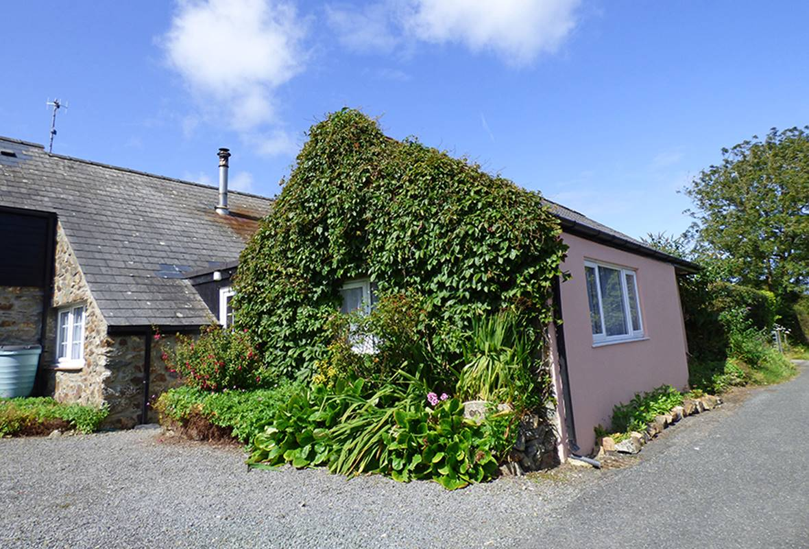 The Old Shed - 4 Star Holiday Cottage - Cwm Yr Eglwys, Pembrokeshire, Wales