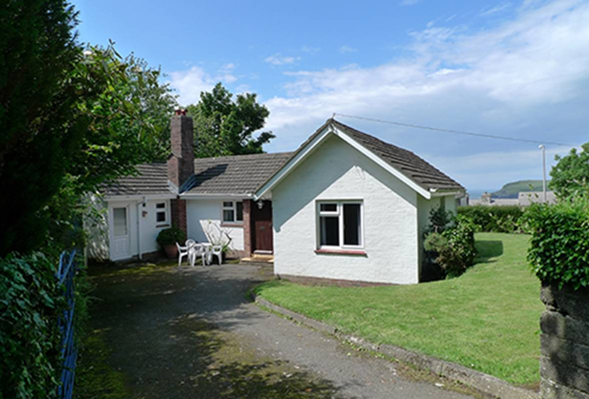 New Court - 3 Star Holiday Home - Newport, Pembrokeshire, Wales
