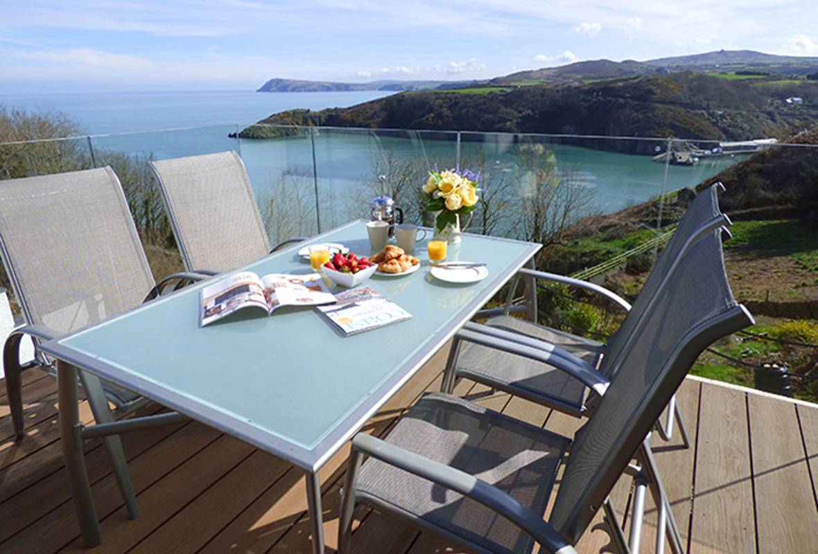 Harbour Heights - 4 Star Holiday property - Fishguard, Pembrokeshire, Wales