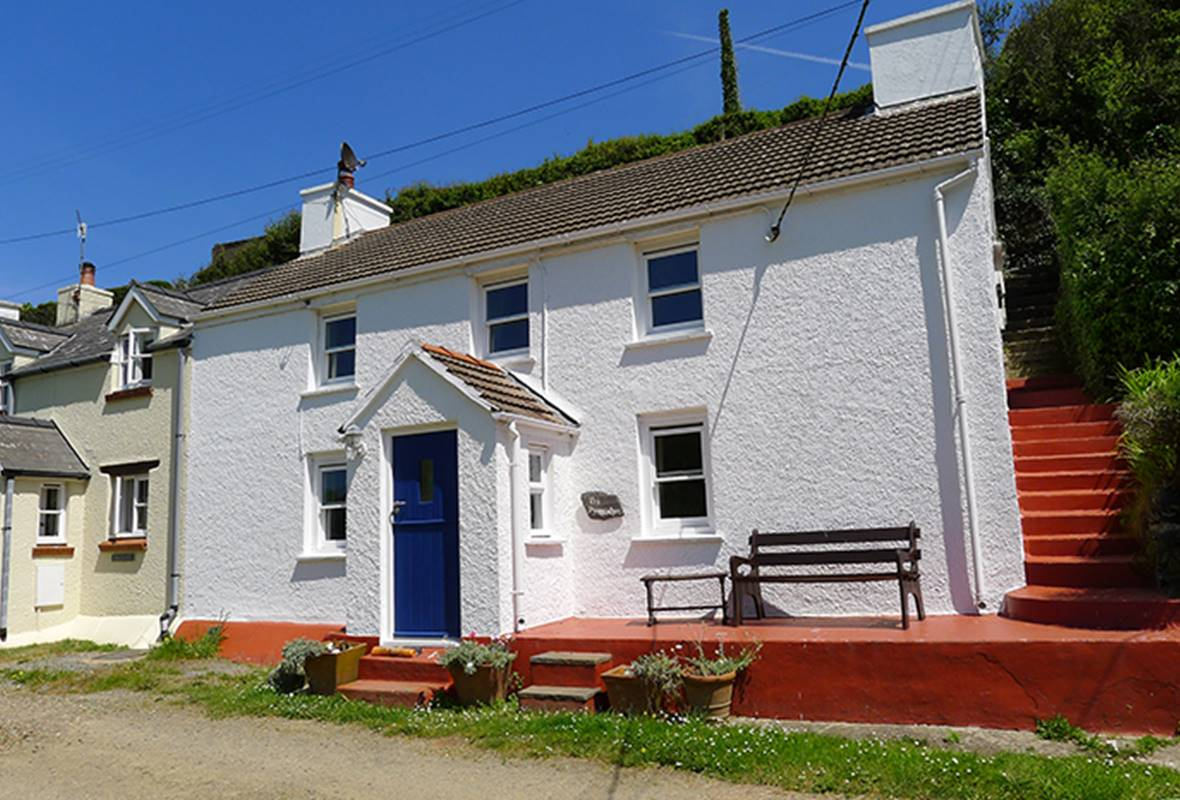 Tri Pysgodyn - 3 Star Holiday Cottage - Abercastle, Pembrokeshire, Wales