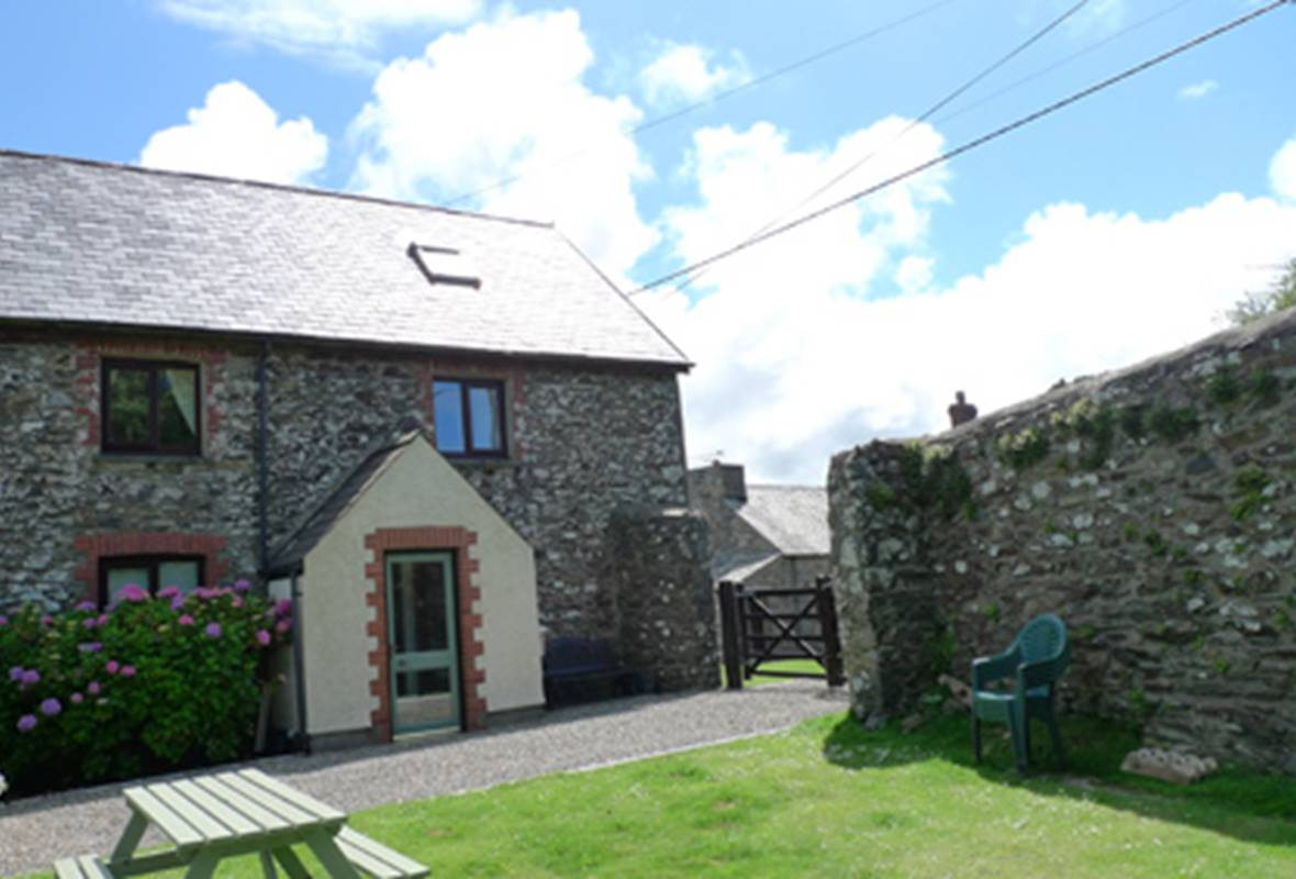 Pen yr Idlan - 4 Star Holiday Home - Mathry, Pembrokeshire, Wales