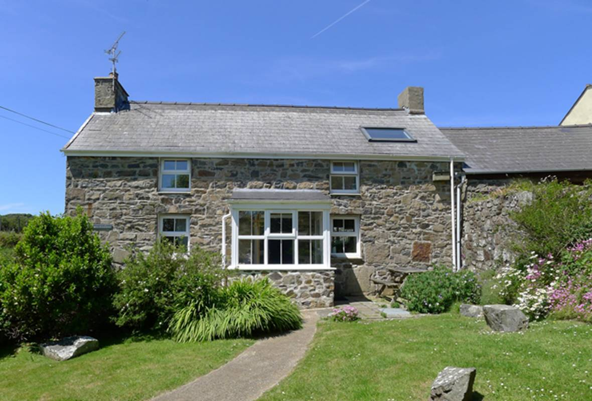 Fferm Ty Uchaf - 4 Star Holiday Home - Pwll Deri, Strumble Head, Pembrokeshire, Wales