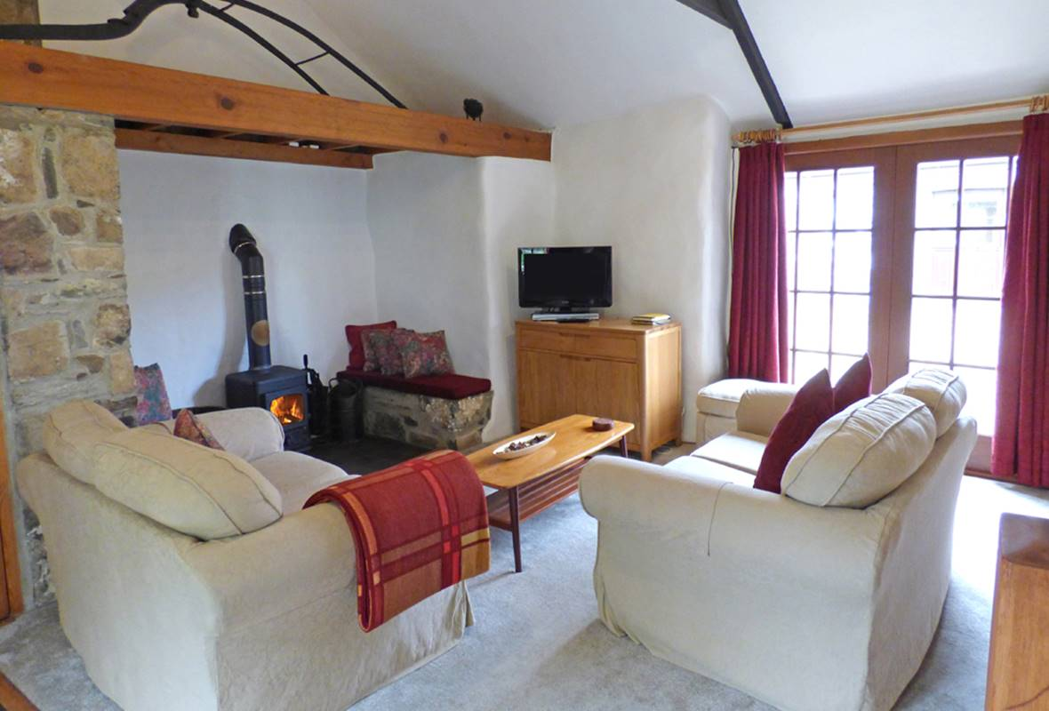 Ty Uchaf Cottage - 4 Star Holiday Cottage - Pwll Deri, Strumble Head, Pembrokeshire, Wales