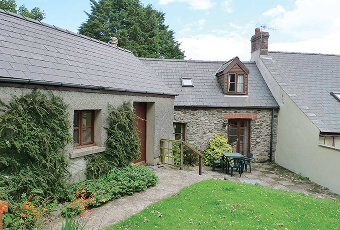 Dairy Cottage - 3 Star Holiday Cottage - Trefin, Pembrokeshire, Wales