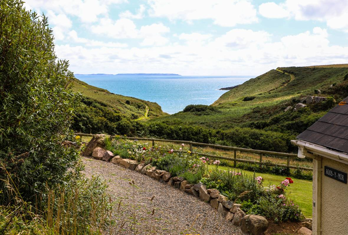 Agos y Mor - 3 Star Holiday Cottage - Nr St Davids, Pembrokeshire, Wales