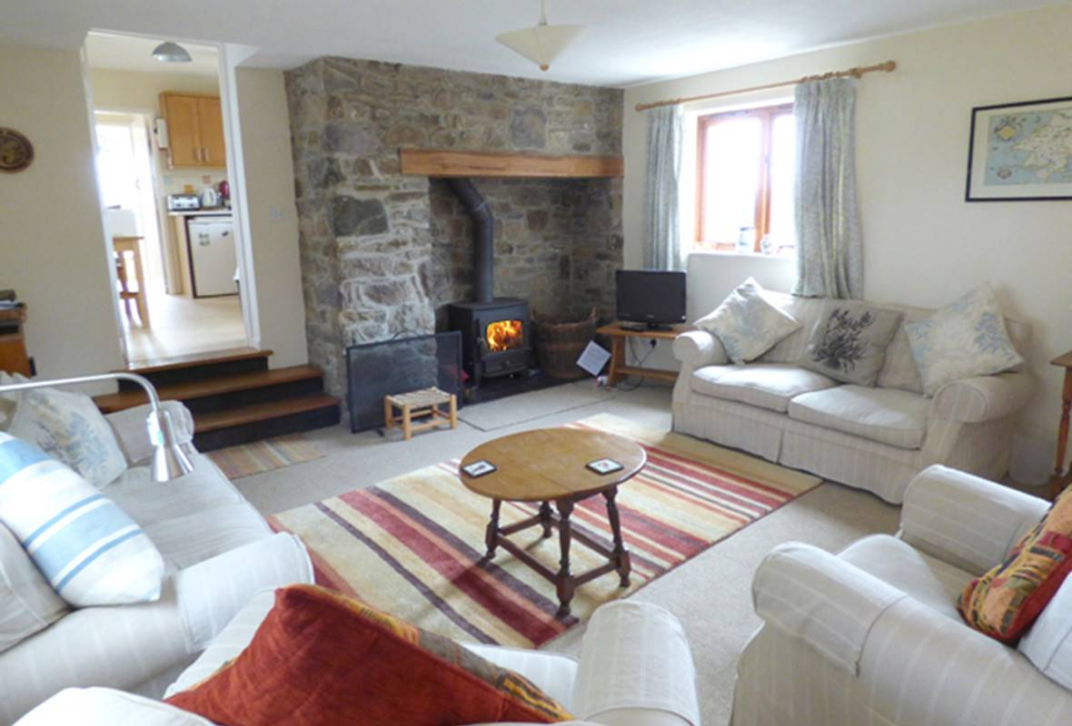 Ty Siani - 3 Star Holiday Cottage - Trelerw, Nr St Davids, Pembrokeshire, Wales