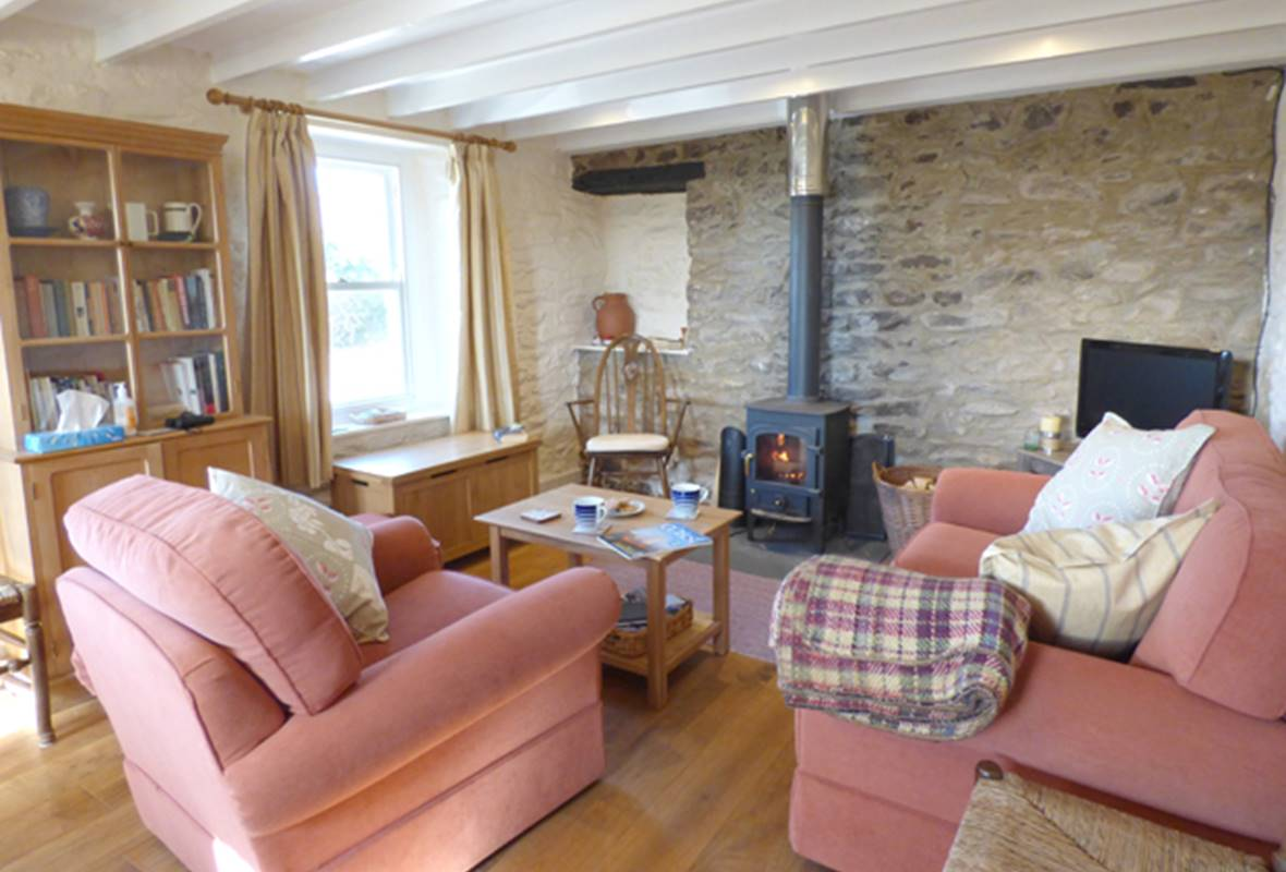 Ty Lucy - 3 Star Holiday Cottage - Trelerw, Nr St Davids, Pembrokeshire, Wales