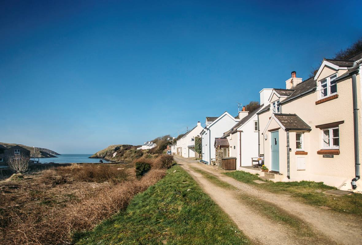 Swn y Mor - 4 Star Holiday Cottage - Abercastle, Pembrokeshire, Wales