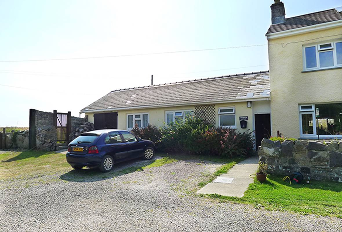 Farmhouse Cottage - 4 Star Holiday Cottage - Trevinert, Nr St Davids, Pembrokeshire, Wales