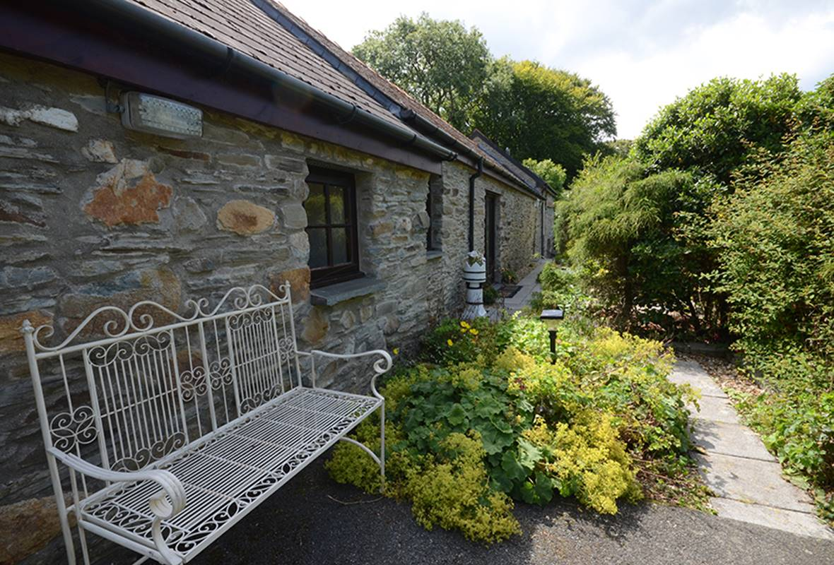 The Cow Shed - 4 Star Holiday Cottage - Dinas, Pembrokeshire, Wales
