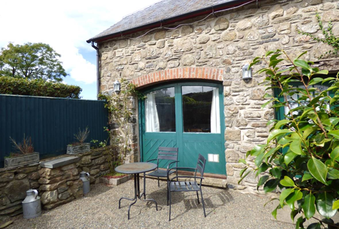 The Old Coach House - 4 Star Holiday Home - Abermawr, Pembrokeshire, Wales