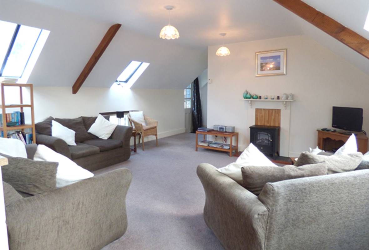Atlantic View Hayloft - 4 Star Holiday Property - Abermawr, Pembrokeshire, Wales