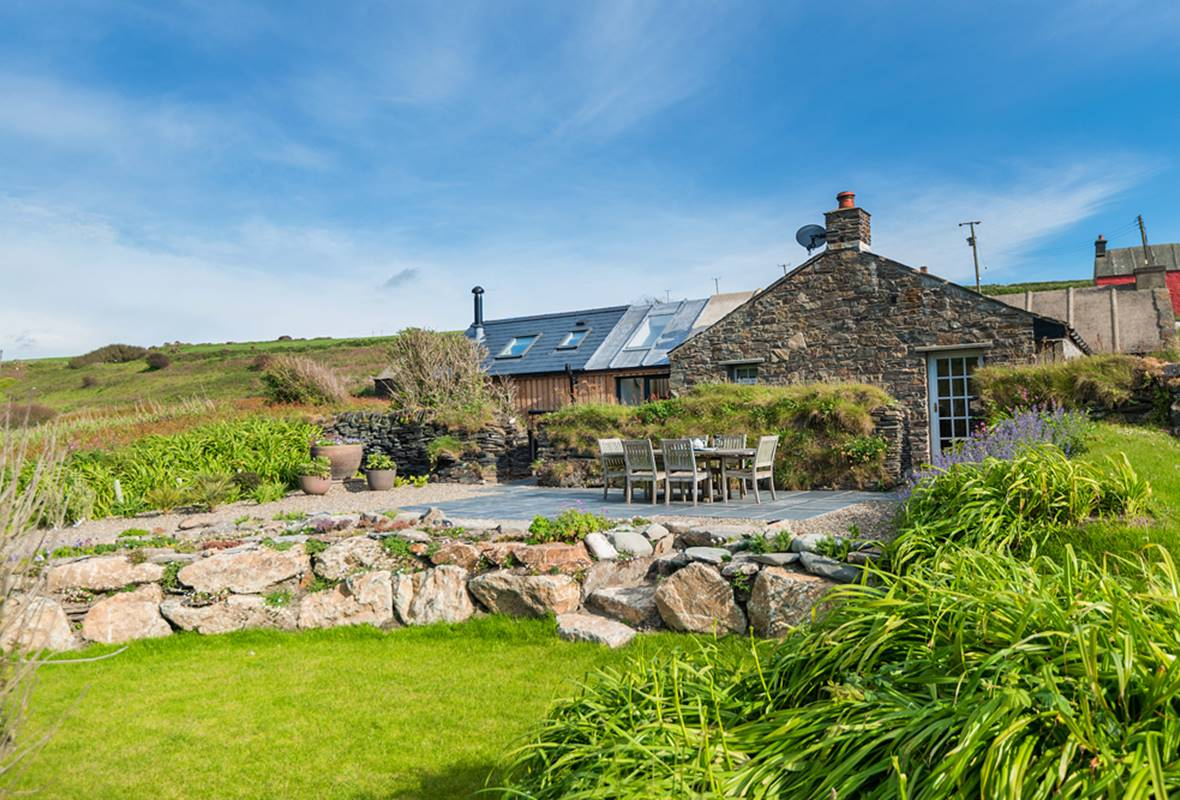 The Villa - 5 Star Holiday Home - Abereiddy, Pembrokeshire, Wales