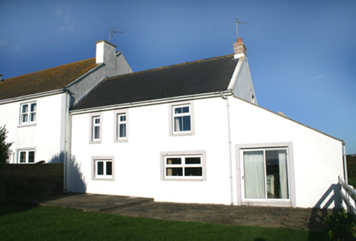 Carn Nwchwn Cottage - 3 Star Holiday Home - St Davids, Pembrokeshire, Wales