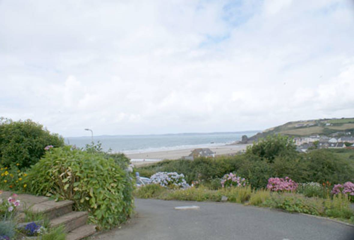 Driftwood - 4 Star Holiday Home - Broad Haven, Pembrokeshire, Wales