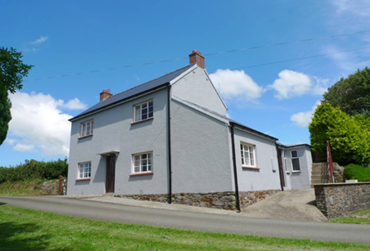 Ferny Glen Lodge - 3 Star Holiday Cottage - Roch, Nr Newgale, Pembrokeshire, Wales