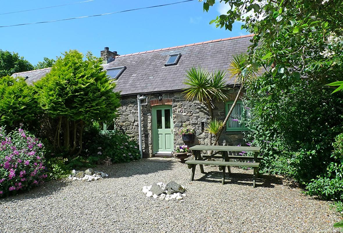 Honeysuckle Cottage - 4 Star Holiday Cottage - Lochvane, Nr Solva, Pembrokeshire, Wales