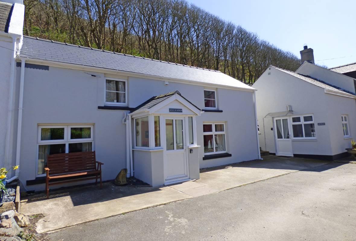 Min yr Afon - 4 Star Holiday Cottage - Solva, Pembrokeshire, Wales
