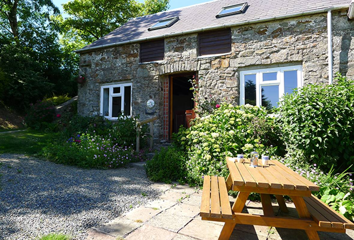 Honey Hook Cottage - 4 Star Holiday Cottage - Nolton, Pembrokeshire, Wales