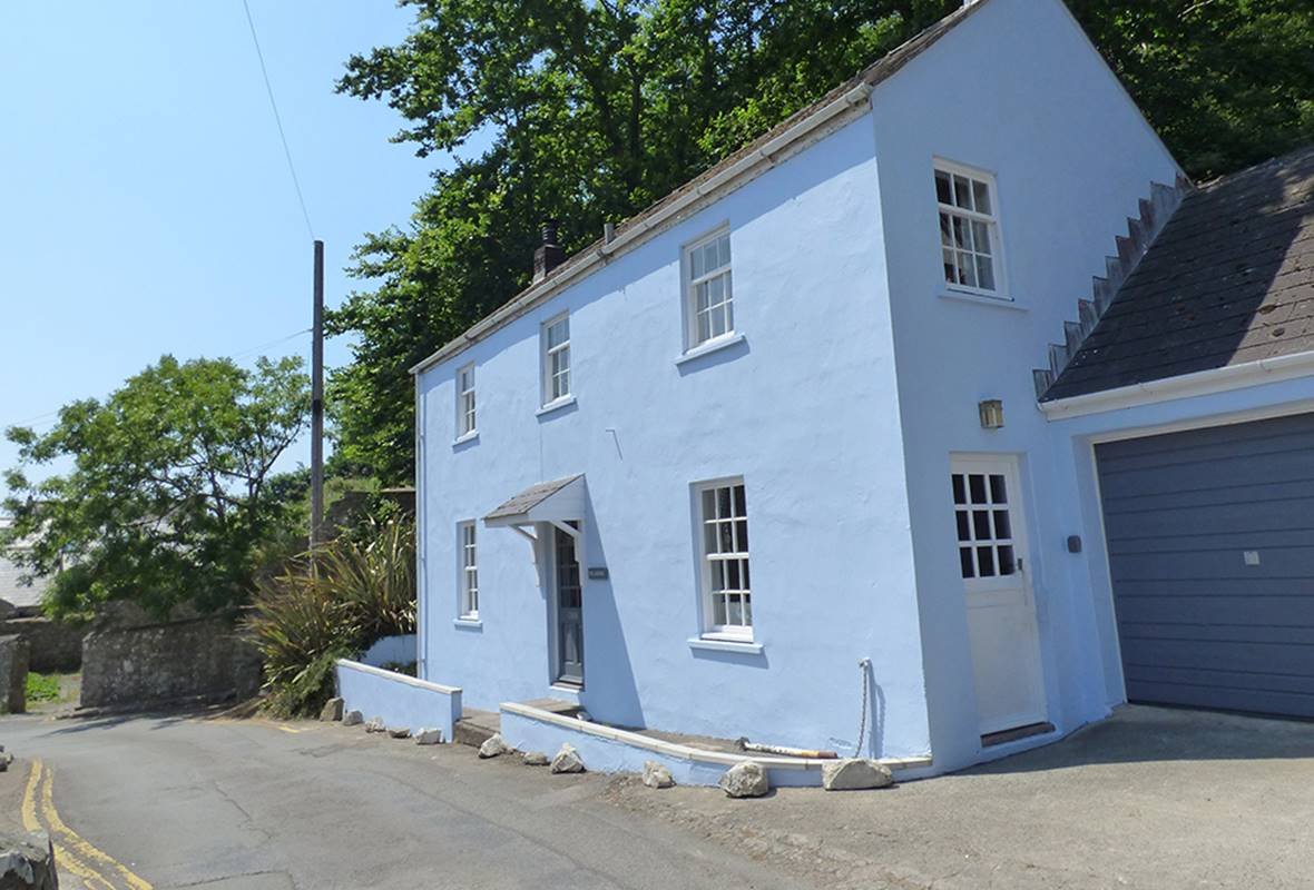 Pilgrims - 4 Star Holiday Cottage - Solva, Pembrokeshire, Wales