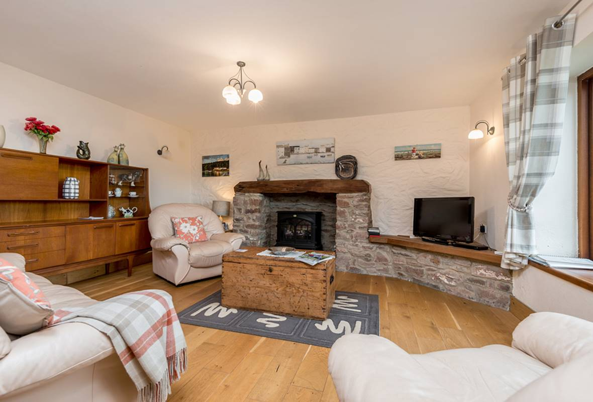 Ploughmans Cottage - 4 Star Holiday Cottage - Nr St Brides, Pembrokeshire, Wales