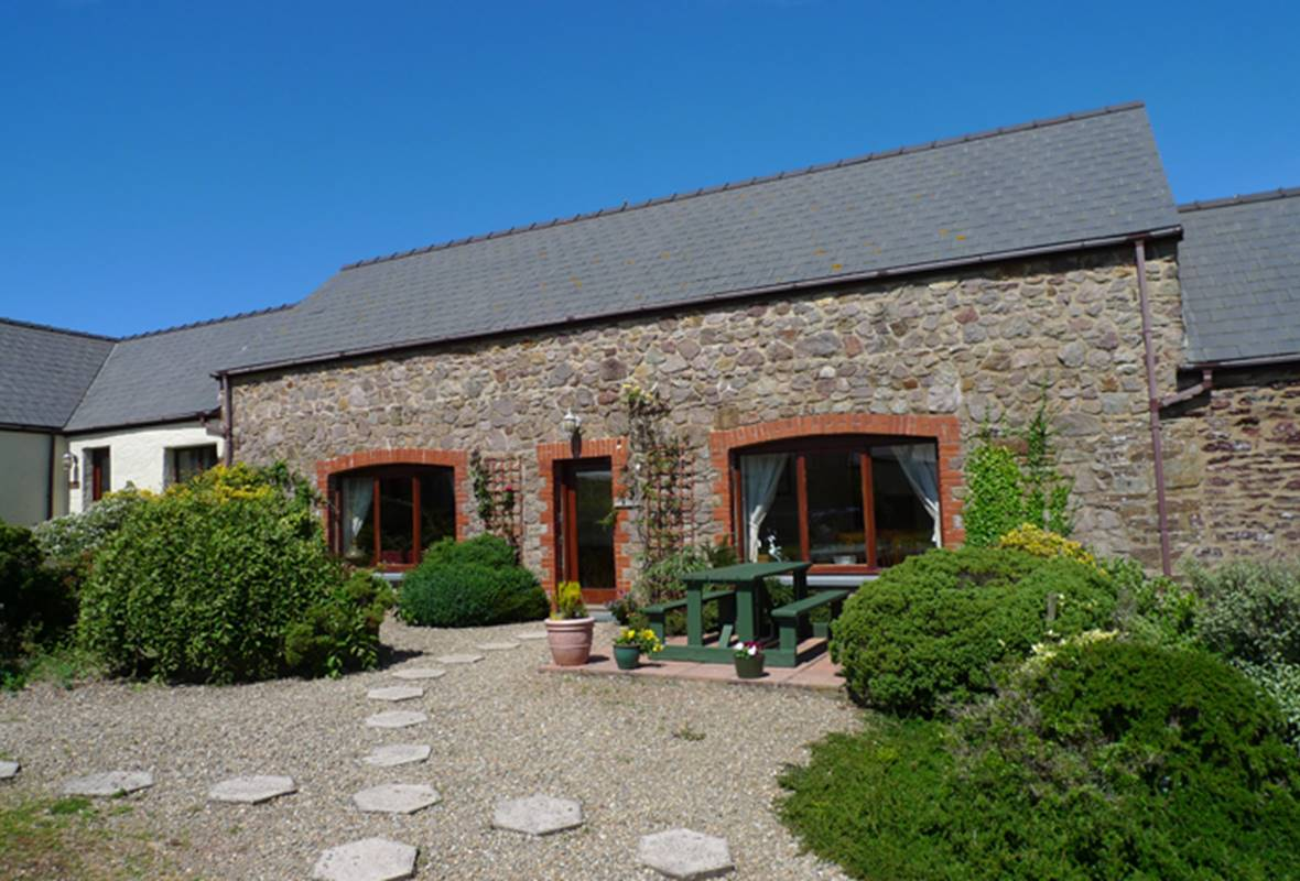 Gamekeepers Cottage - 4 Star Holiday Cottage - Nr St Brides, Pembrokeshire, Wales