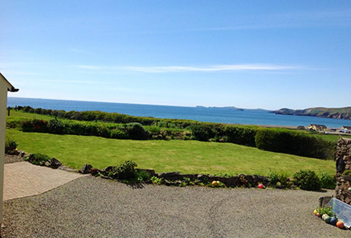 Coed Cottage - 4 Star Holiday Cottage - Newgale, Pembrokeshire, Wales