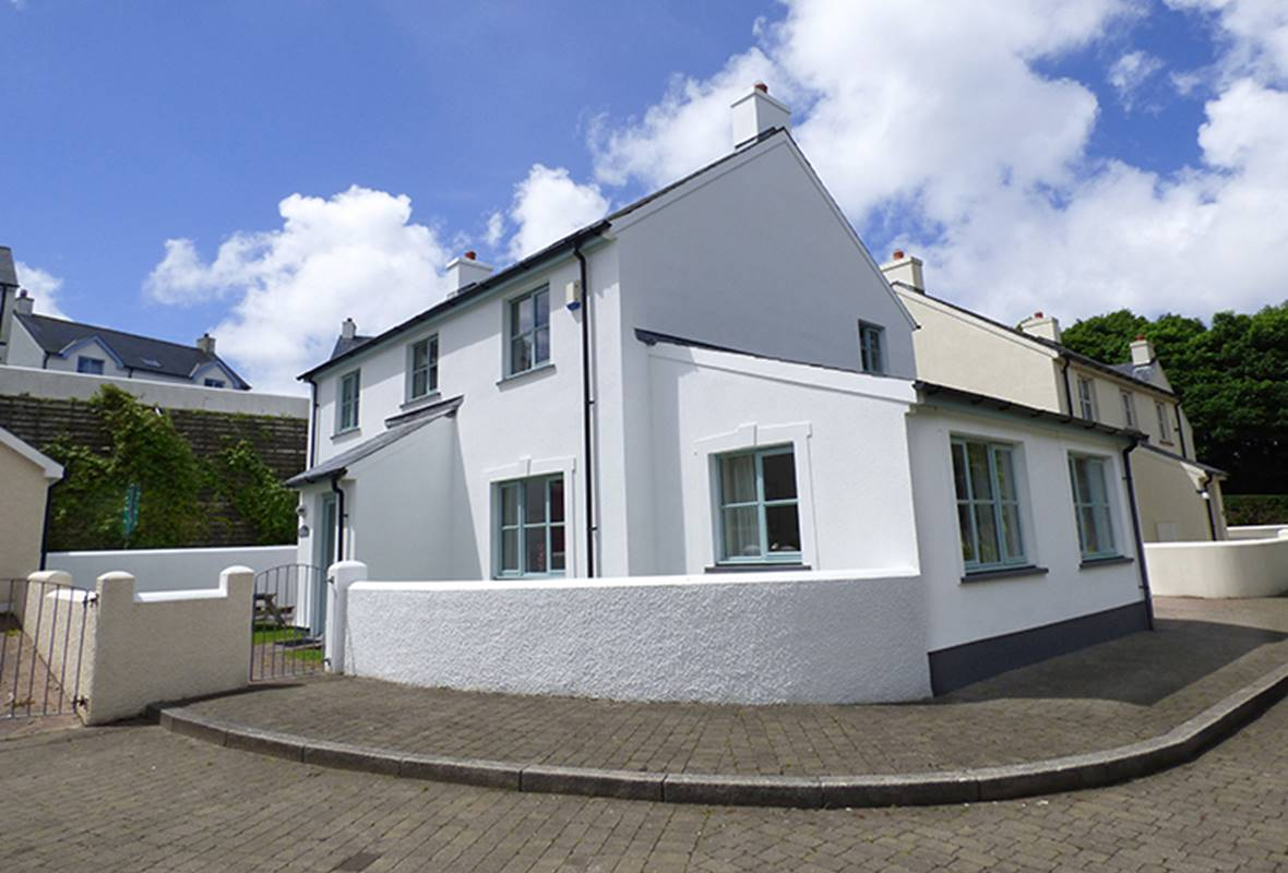 Bryn y Mor - 5 Star Holiday Home - Little Haven, Pembrokeshire, Wales