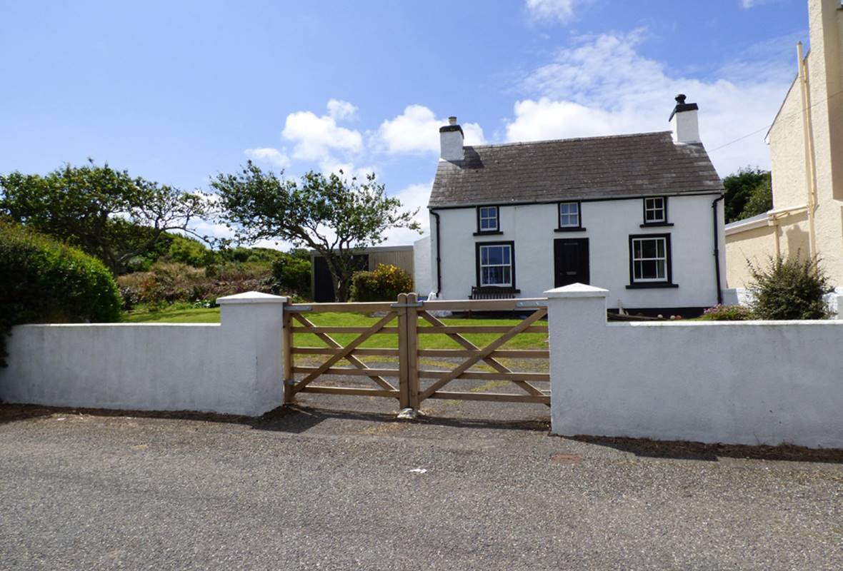 Beacon House - 3 Star Holiday Cottage - Marloes, Pembrokeshire, Wales