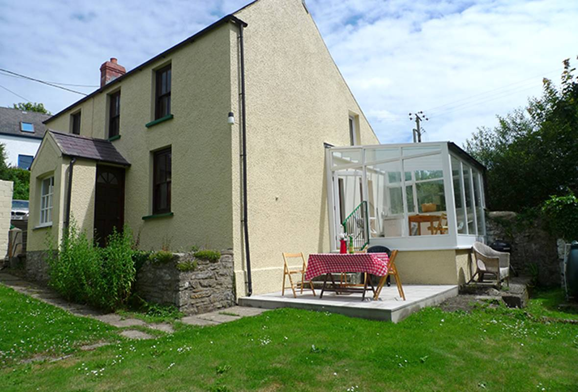 Wesley House - 3 Star Holiday Home - Little Haven, Pembrokeshire, Wales