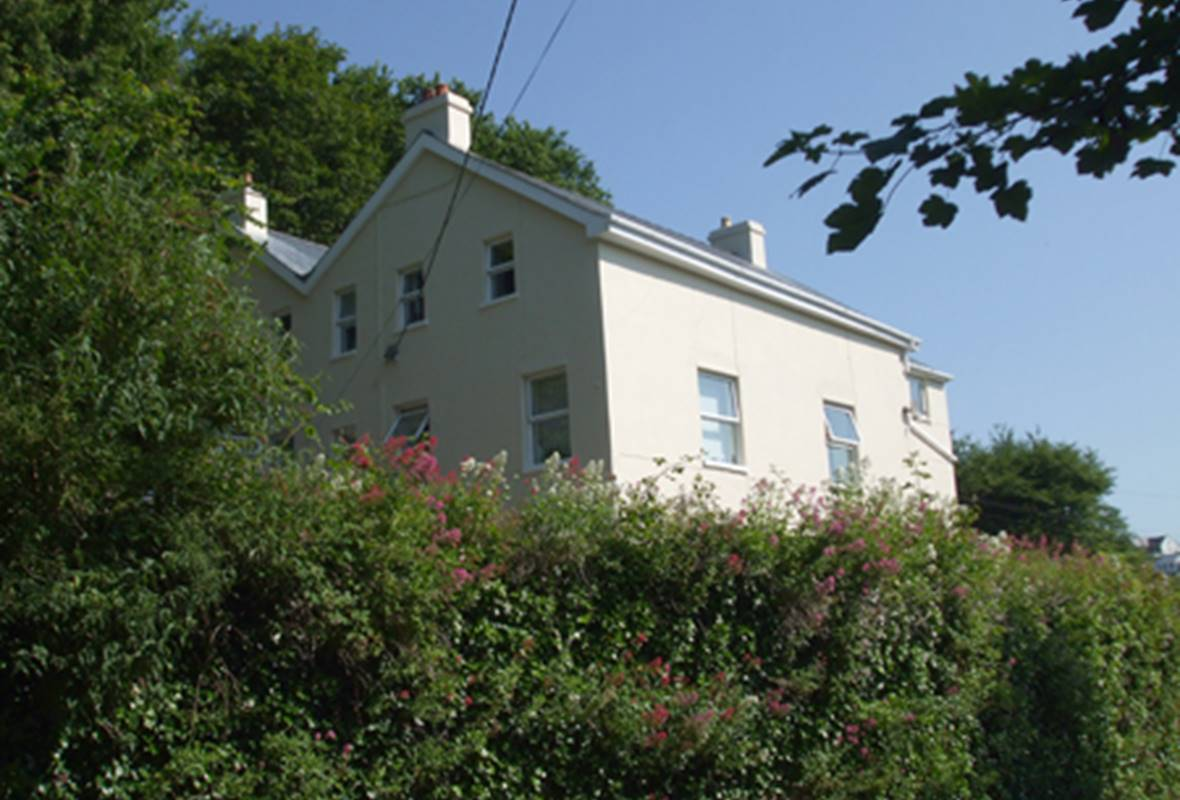 Glen Holme - 3 Star Holiday Apartment - Little Haven, Pembrokeshire, Wales