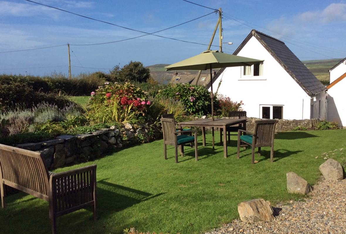 Watersmeet - 4 Star Holiday Cottage - Newport, Pembrokeshire, Wales
