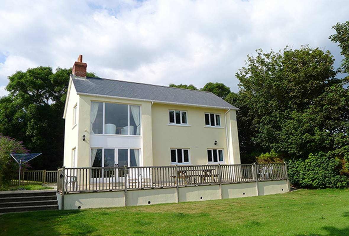 Skomer View - 4 Star Holiday Home - Roch, Nr Newgale, Pembrokeshire, Wales