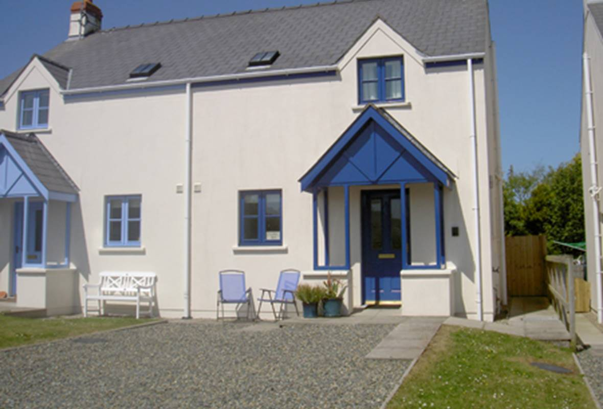 Meadow Bank - 4 Star Holiday Property - Marloes, Pembrokeshire, Wales