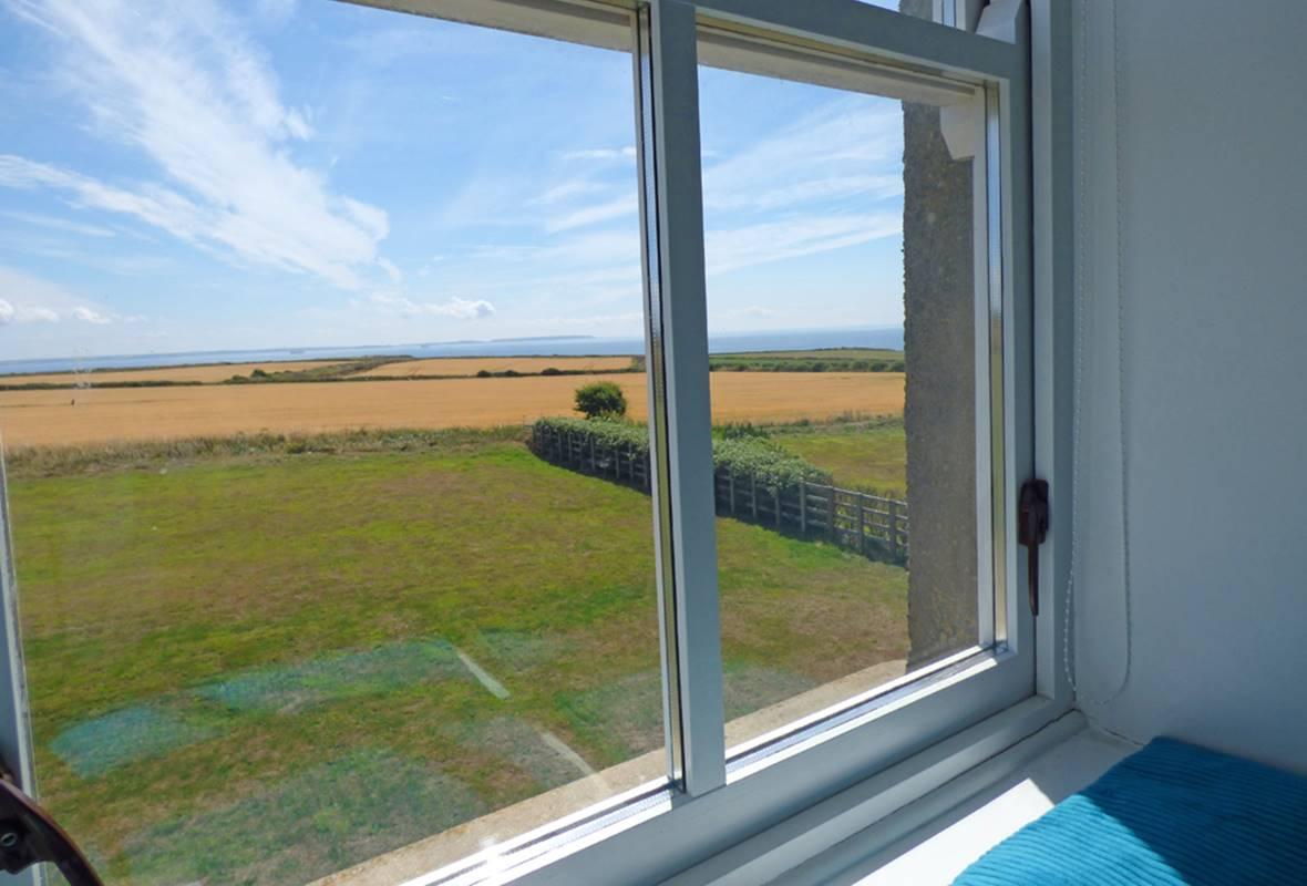 Grassholm View - 5 Star Holiday Property - Llanunwas, Solva, Pembrokeshire, Wales