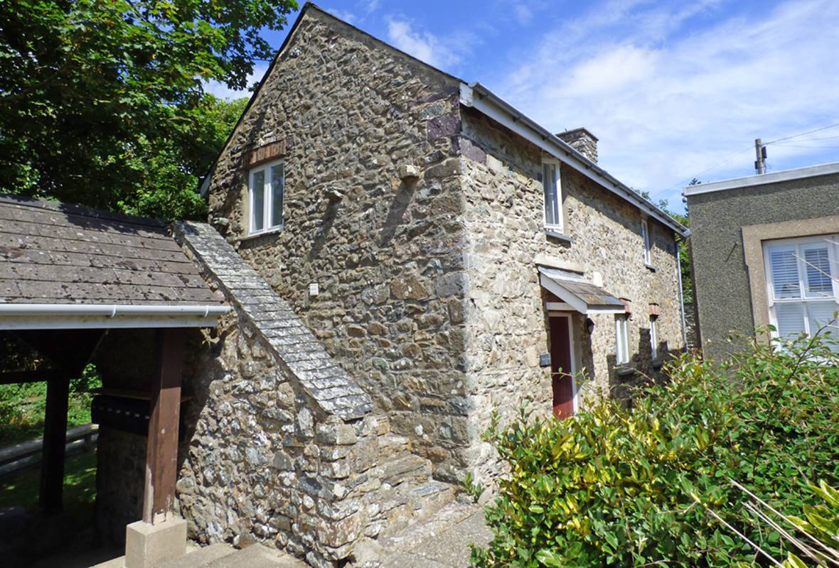 Wood Cottage - 4 Star Holiday Home - Llanunwas, Solva, Pembrokeshire, Wales