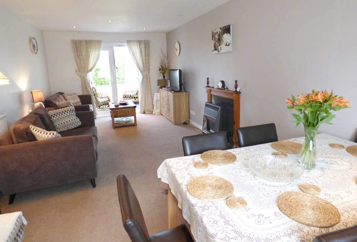 Rhoslan - 4 Star Holiday Home - Dinas, Pembrokeshire, Wales